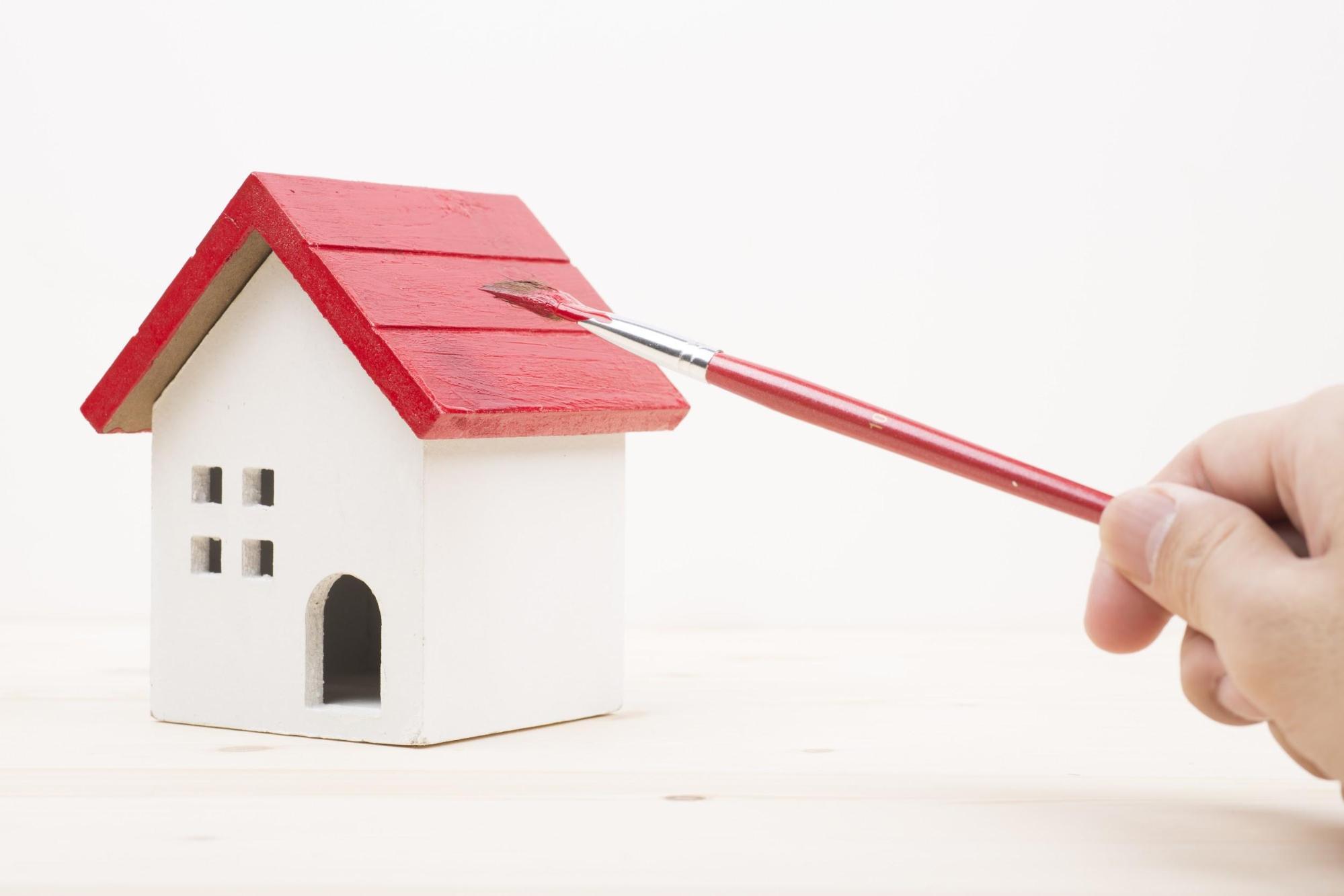 屋根塗装に使用する塗料の耐用年数